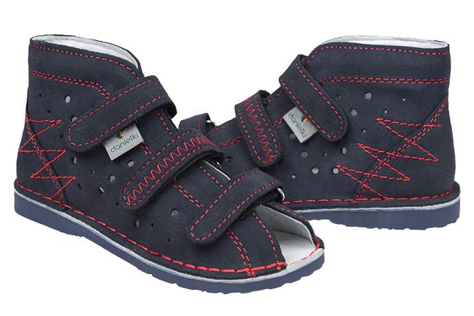Kapcie profilaktyczne buty DANIELKI T105 T115 Granat Czerwony