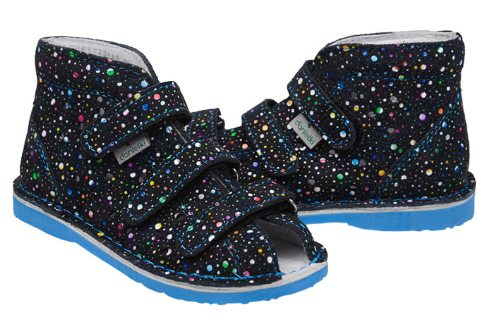 Kapcie profilaktyczne buty DANIELKI T125L T135L Kropki Granat Blue