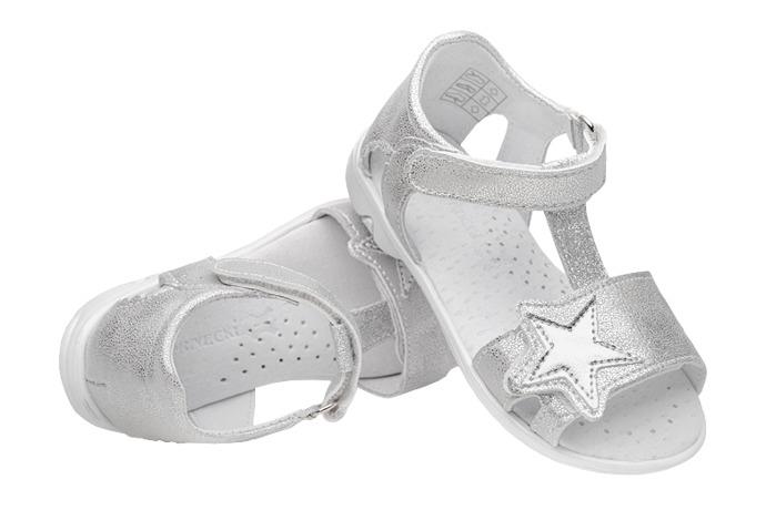 Sandałki dla dziewczynki KORNECKI 6304 Srebrne